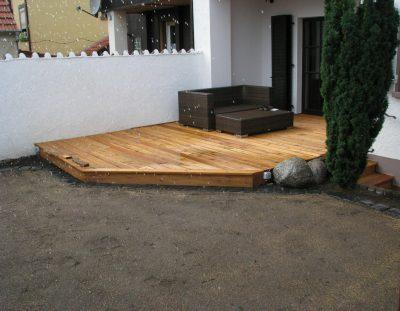 Holzterrasse 2