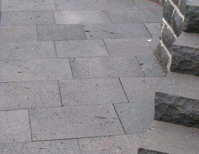 Plattenbelag Basalt