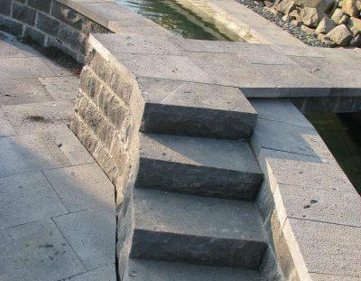 Treppe Basalt