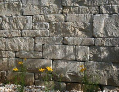 Trockenmauer Juramarmor Wechselmauerwerk