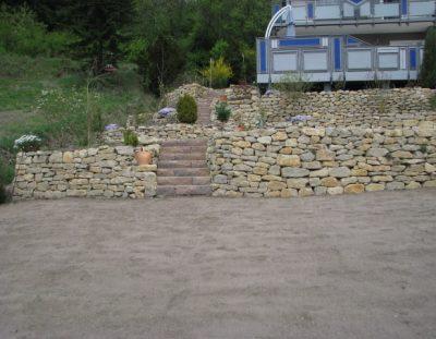 Troclenmauer Meskalith